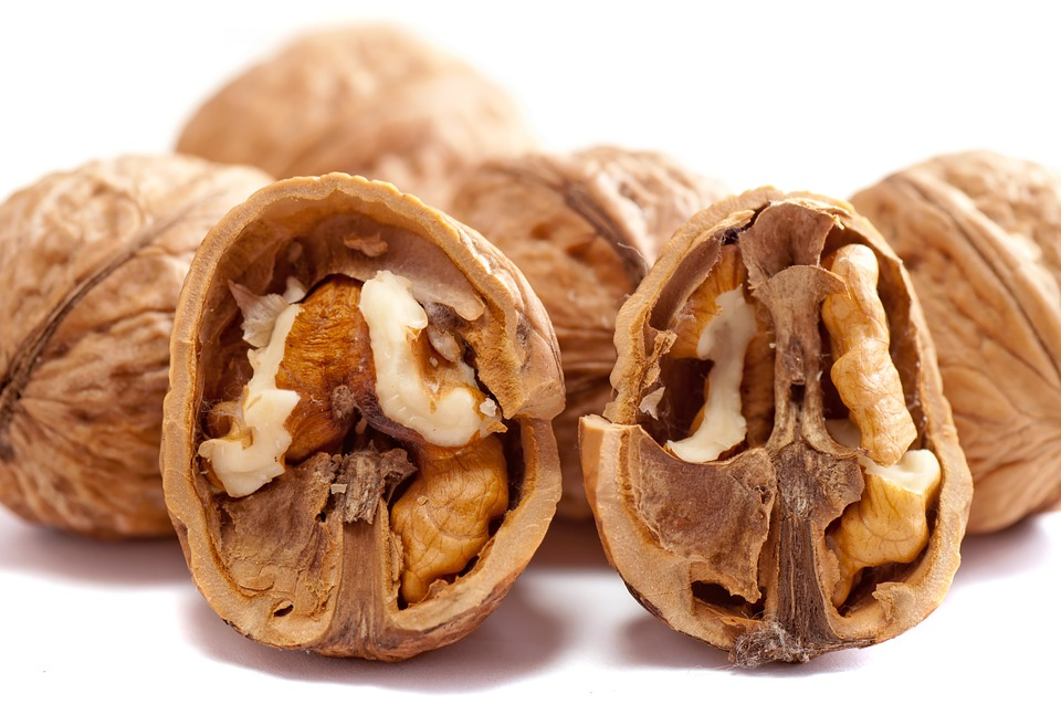 walnut, walnuts, walnuts and insulin